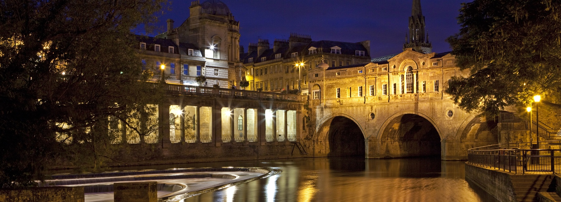 Bath Pultney Bridge at night - Cobb Farr Bath estate agents